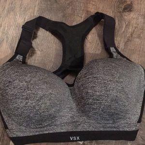 Victoria Secret Sports Bra size 32DDD, like new